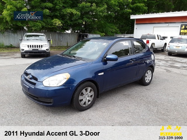 2011 Hyundai Accent GL 3-Door